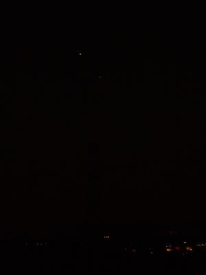 右下が水星で-1等級程度、左上が金星で-4等級程度だそうです…